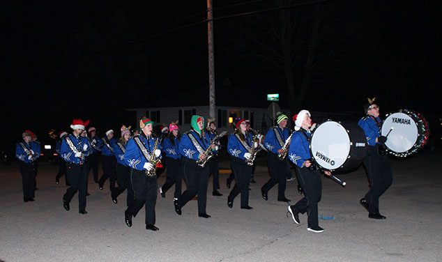 christmas-parade-chilton-highschool-band