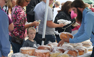 crafty-apple-festival-chilton-wisconsin-september