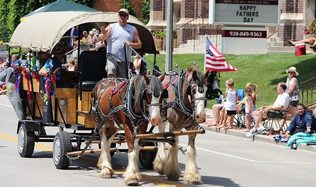 fathers-day-parade-horses