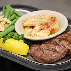 roepkes-village-inn-supper-club-chilton-wisconsin-steak-dinner